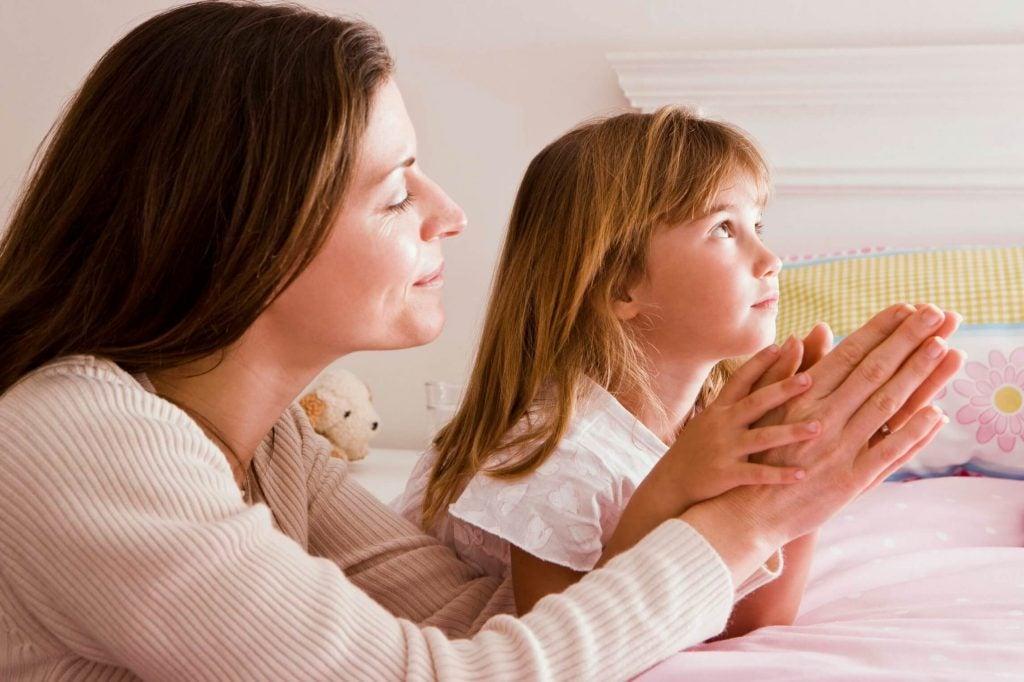 10 maneiras de aproximar o seu filho de Deus