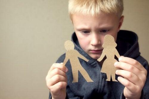 Como ajudar uma criança durante o divórcio