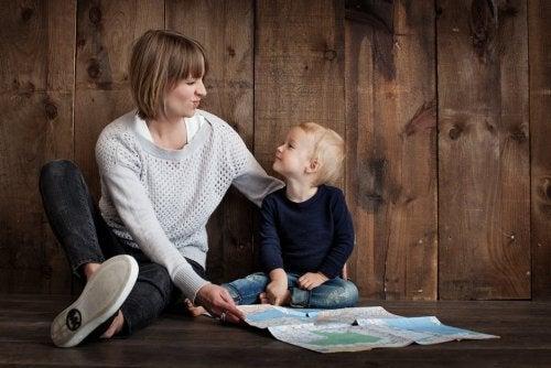 Conselhos de Montessori para que seus filhos ajudem em casa