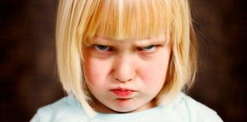 10 táticas para ajudar as crianças a controlar a raiva