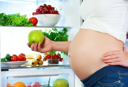 Alguns alimentos podem alterar o movimento do feto?