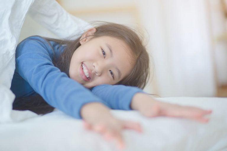 Como faço para meu filho acordar de bom humor?