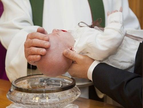 Como organizar o batizado do seu bebê da melhor maneira