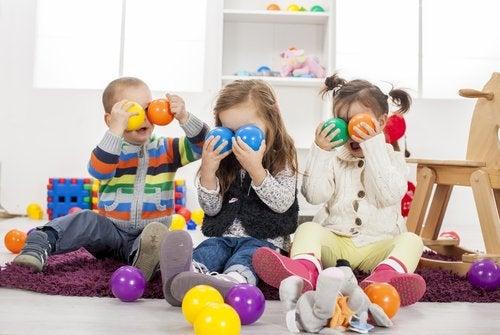 Dar muitos brinquedos às crianças pode prejudicá-las no futuro