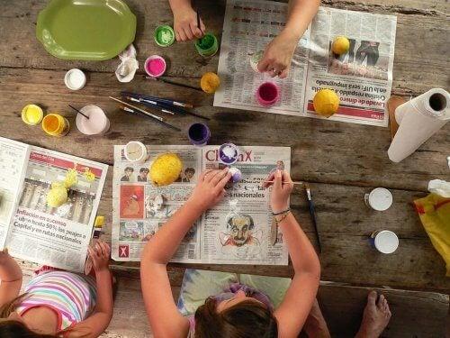 Trabalhos manuais simples para crianças de 2 e 3 anos