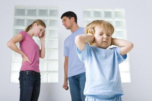Como uma criança sobrevive em uma família disfuncional
