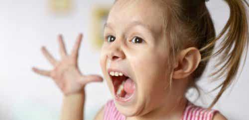 O que é a agressividade repentina nas crianças
