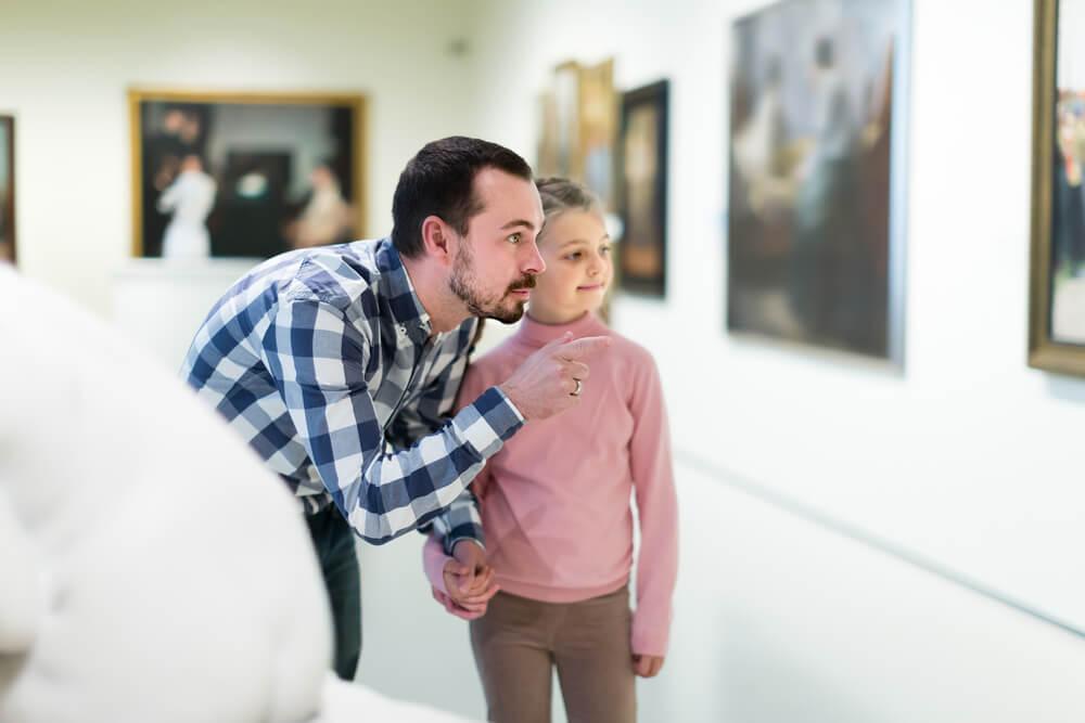 Estamos obrigando as crianças a obedecer ou ensinando a pensar?