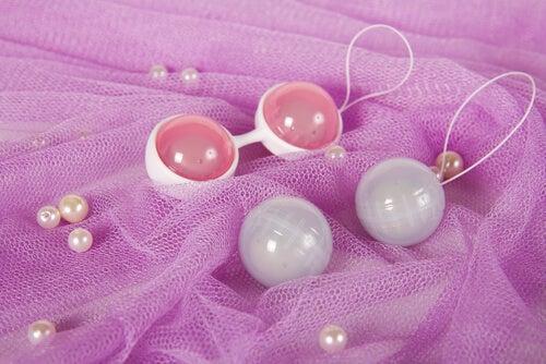 Motivos para utilizar bolas chinesas depois do parto