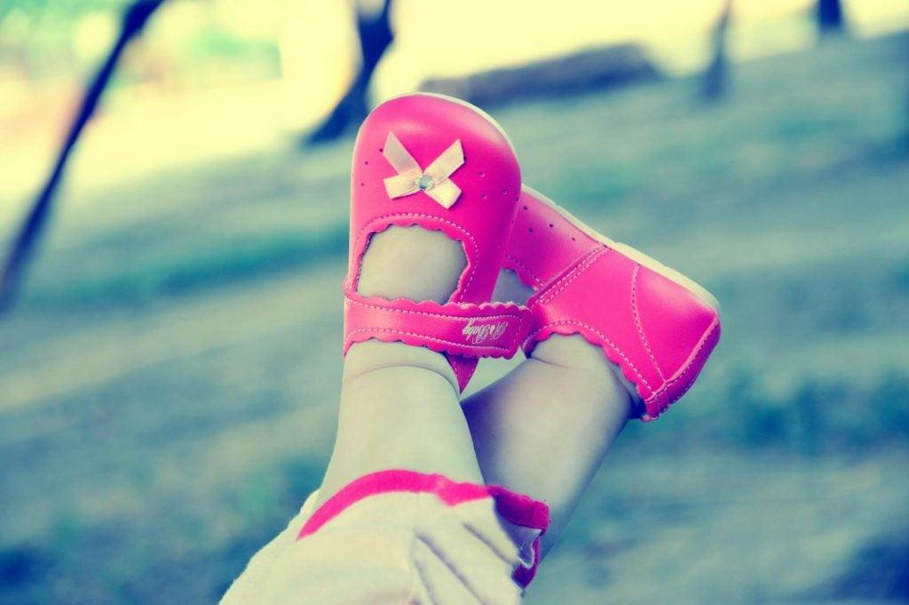 Como escolher os sapatos adequados para o bebê?