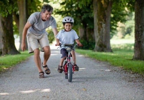 Como desenvolver habilidades motoras grossas nas crianças
