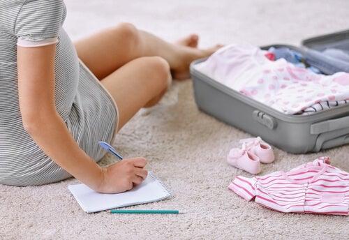O que devo levar para o hospital na preparação para o parto?