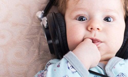 O benefício da música para crianças