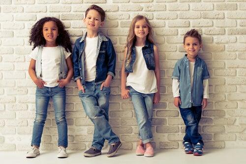 Como escolher a roupa das crianças