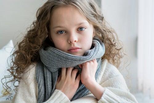 Amidalite nas crianças: a doença que chega com o frio