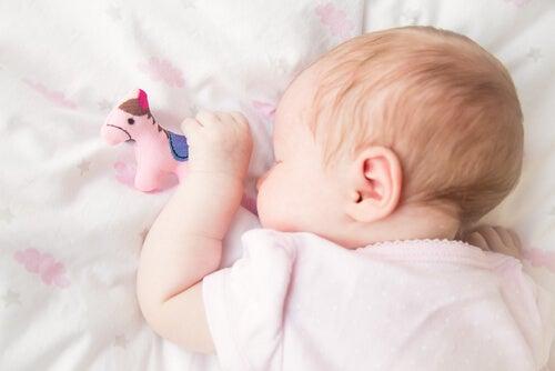 Crianças que roncam: motivos e remédios