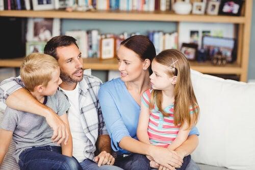 os pais são o primeiro exemplo para ensinar regras de comportamento