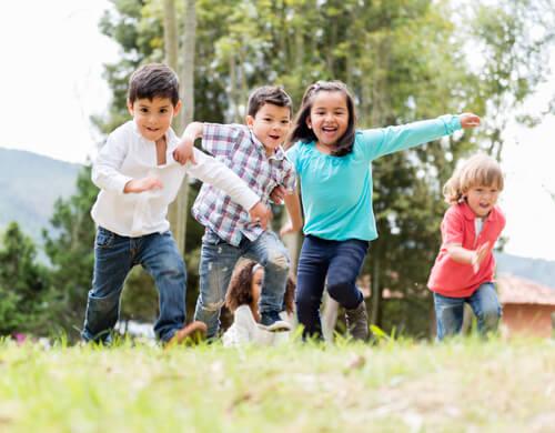 Desenvolvimento motor em crianças de 0 a 5 anos