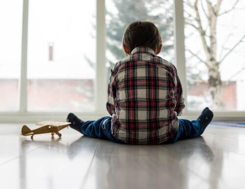ensinar os filhos a perdoar para que sejam felizes