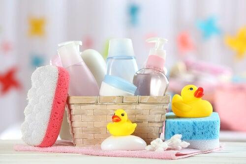 Limpeza do cabelo de crianças