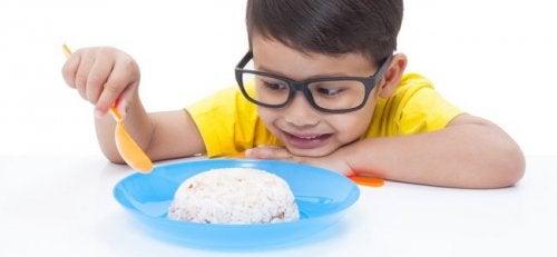 é importante que a criança tenha uma alimentação saudável