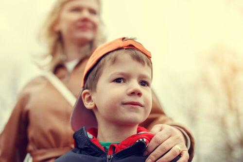 O que podemos fazer com uma criança superprotegida?