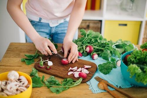 uma dieta saudável é um dos hábitos que favorecem a concepção