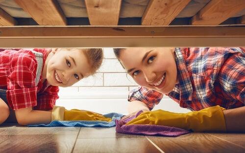 Ensine seus filhos a ajudar nas tarefas domésticas