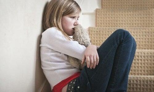 como lidar com a tristeza nas crianças