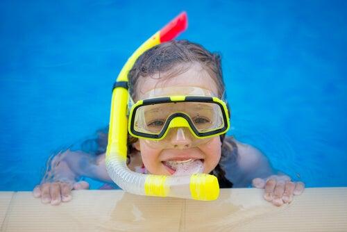O mergulho para crianças é um esporte recomendado.