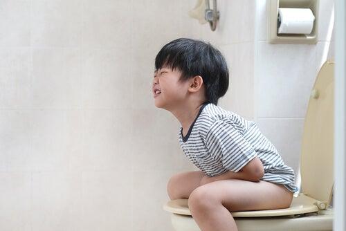 retenção de fezes na infância