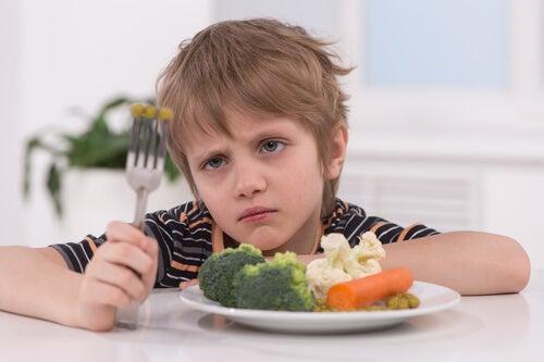 Desculpas das crianças para não comer
