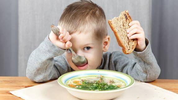 a alimentação saudável pode ser aprendido desde a infância.