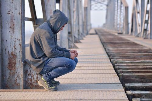 A depressão na adolescência: causas, sintomas e conselhos para os pais