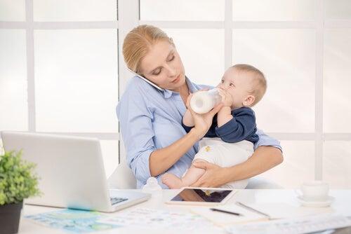 8 dicas para mães que trabalham em casa
