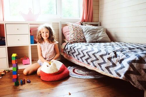 Como ensinar uma criança a organizar as coisas de maneira simples?