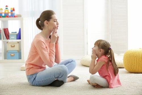 Os erros que os pais cometem quando a criança pronuncia errado