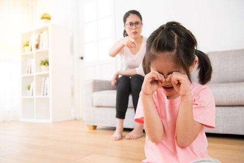 6 consequências da invalidação familiar