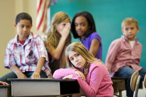 A rejeição entre iguais: o problema das crianças excluídas