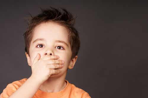 O que é a disartria em crianças?