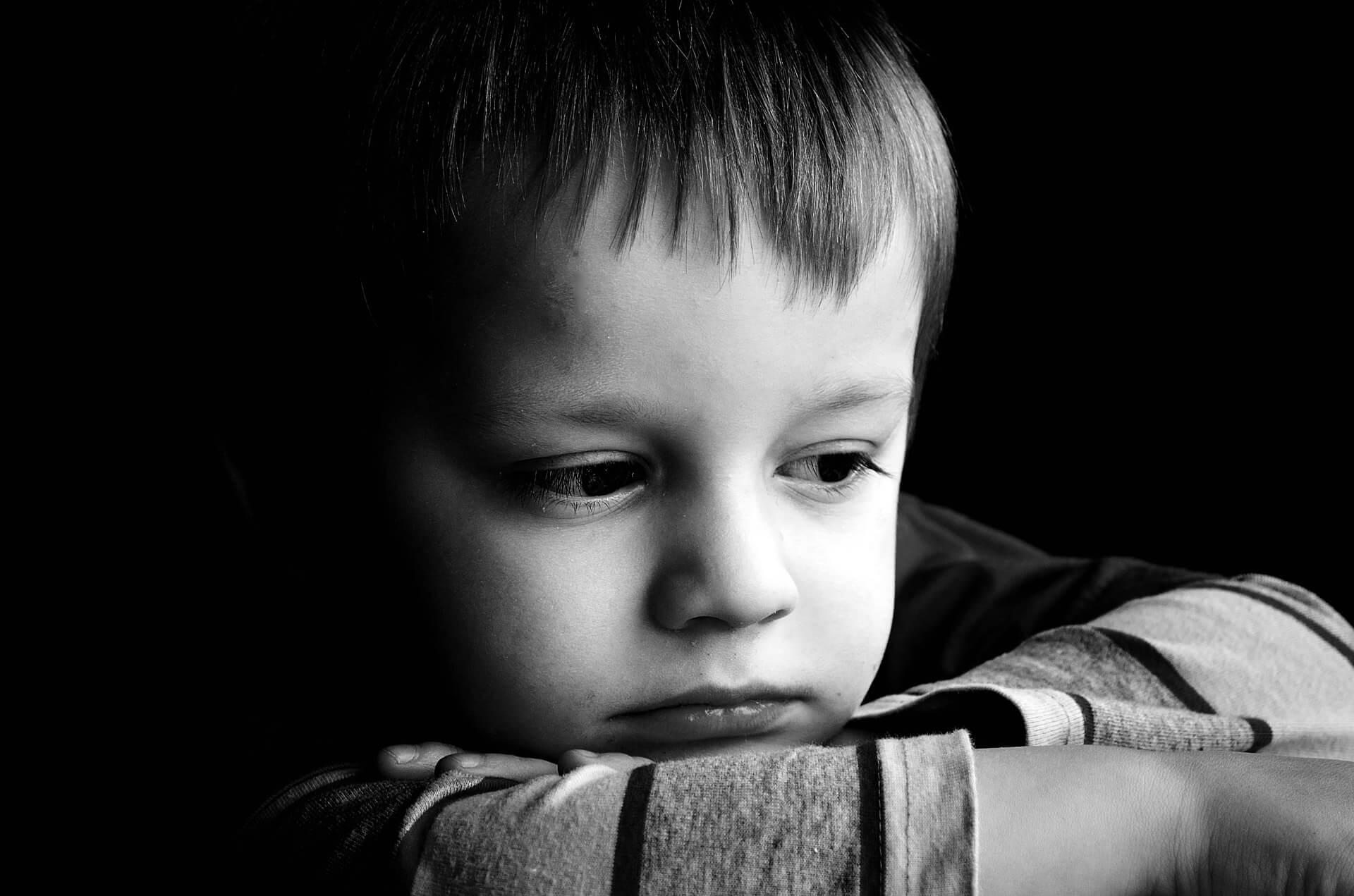 Características das crianças com apego desorganizado