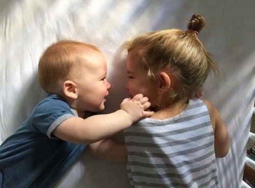 adaptação positiva diante da chegada de um novo irmão