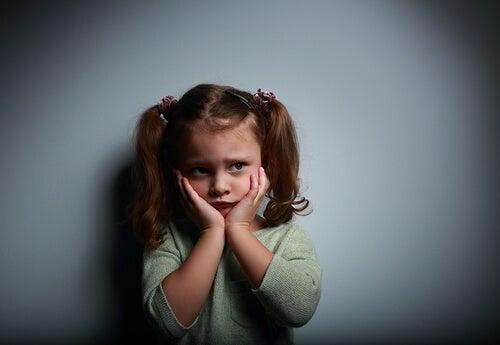 menina com medo