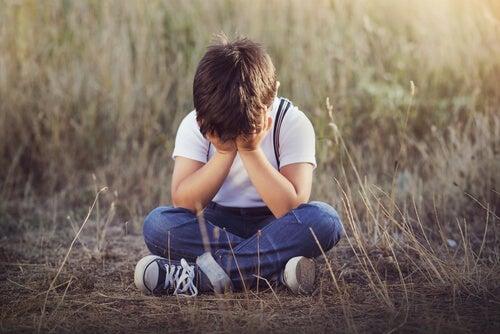 4 sinais de carência afetiva em crianças