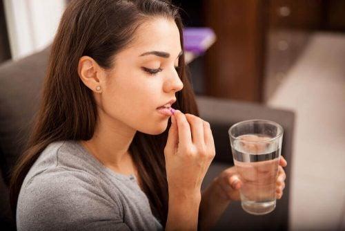Amamentação e medicamentos: desmentindo mitos