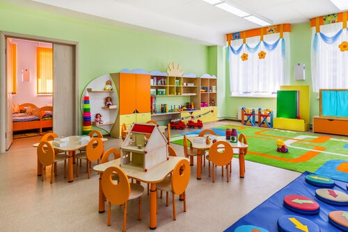 Como organizar a sala de aula segundo o método Montessori?