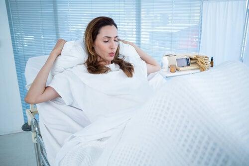 É normal vomitar durante o parto?