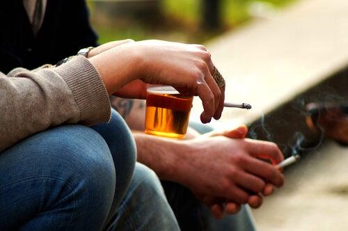 O que fazer para que meu filho adolescente não consuma álcool?