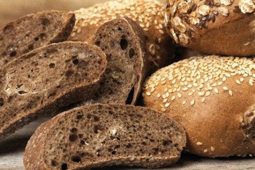 O pão integral fornece fibras