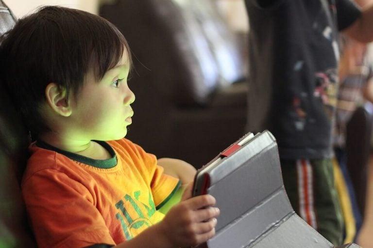 Dicas para uma dieta digital equilibrada para crianças